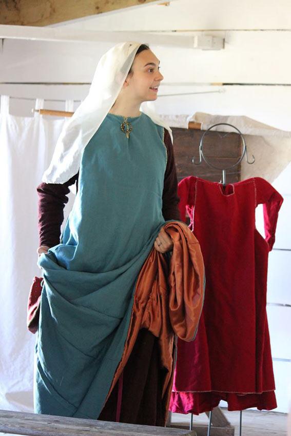 le costume médiéval artisanal