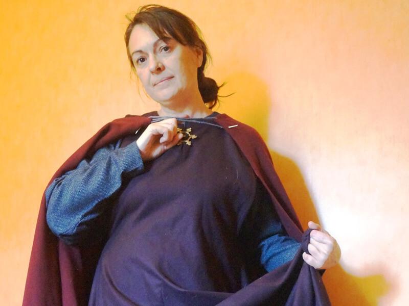 Dame Isabelle en costume artisanal