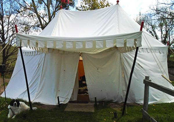 Tente seigneuriale rn vue exterieur