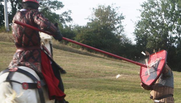 le combat equestre au moyen âge