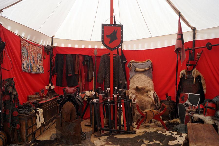 intérieur tente seigneuriale